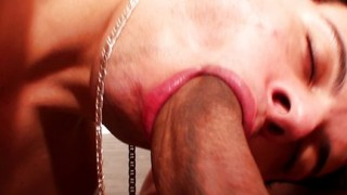 Trans con pene gigante
